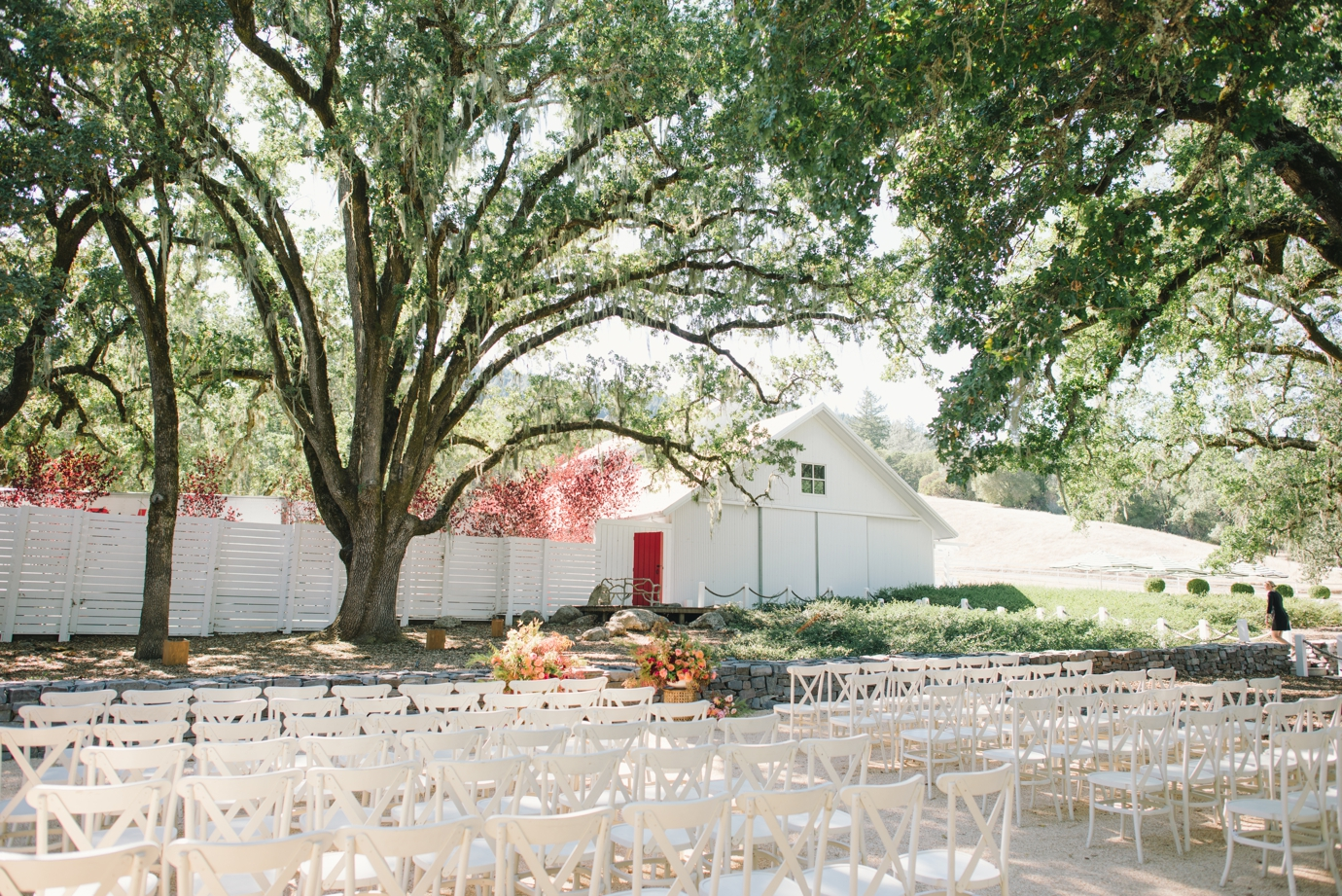 010_delbarrmoradiphotography_100 Layer Cake_ Durham Ranch Wedding_0011