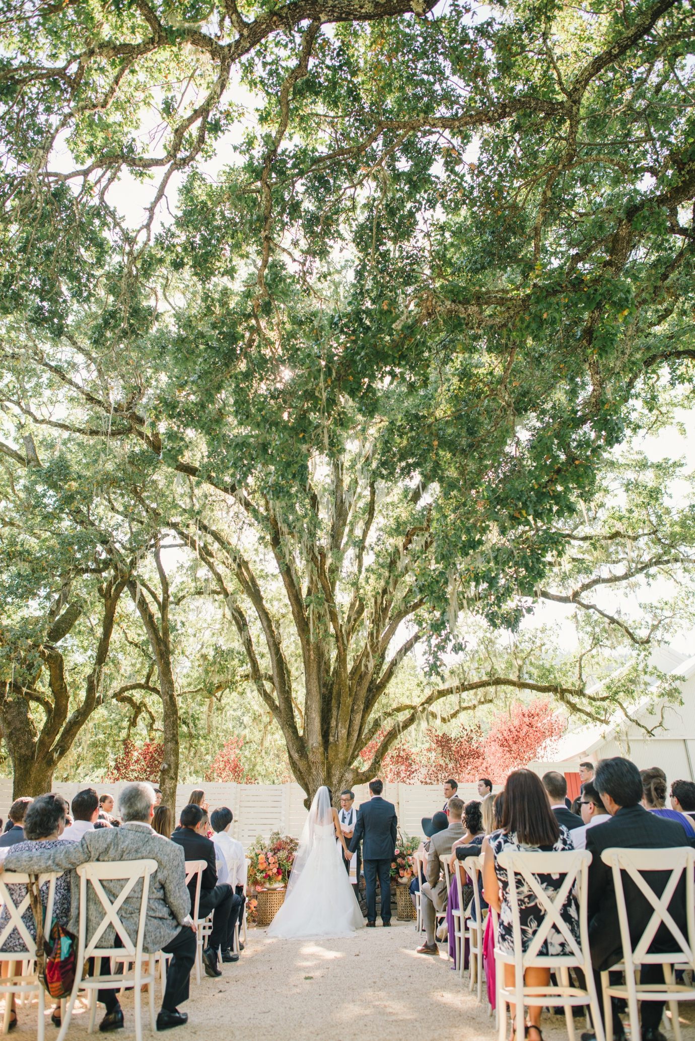 014_delbarrmoradiphotography_100 Layer Cake_ Durham Ranch Wedding_0015
