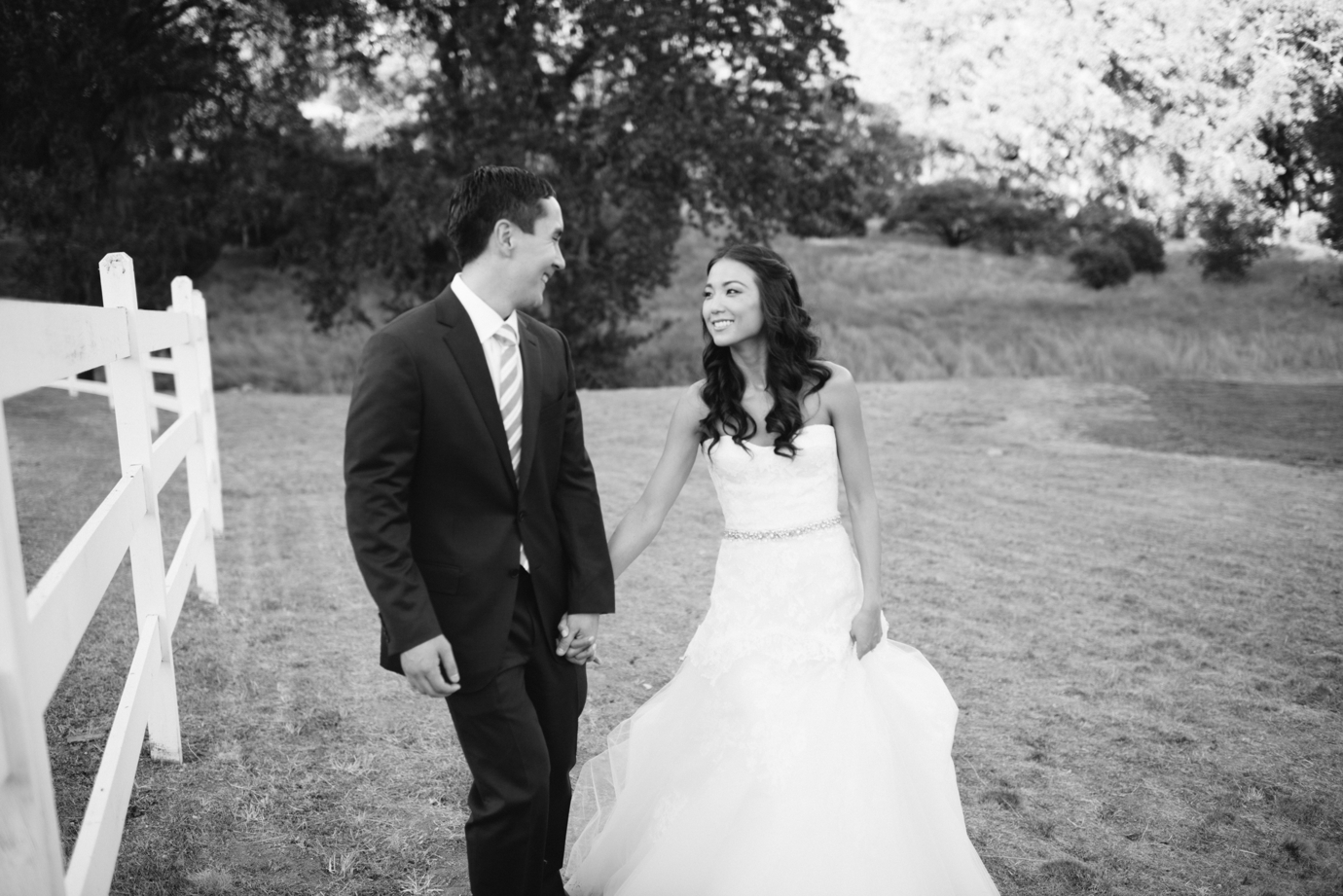 022_delbarrmoradiphotography_100 Layer Cake_ Durham Ranch Wedding_0019