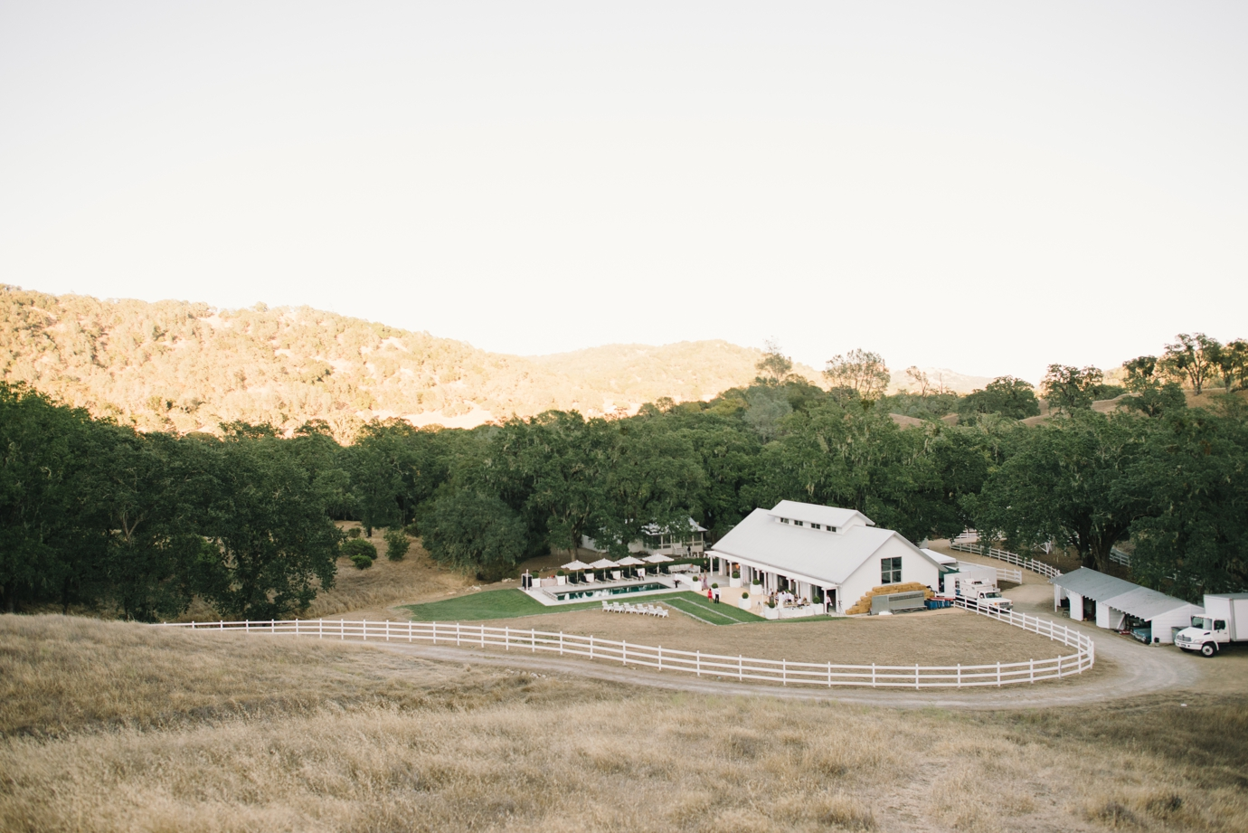 046_delbarrmoradiphotography_100 Layer Cake_ Durham Ranch Wedding_0020
