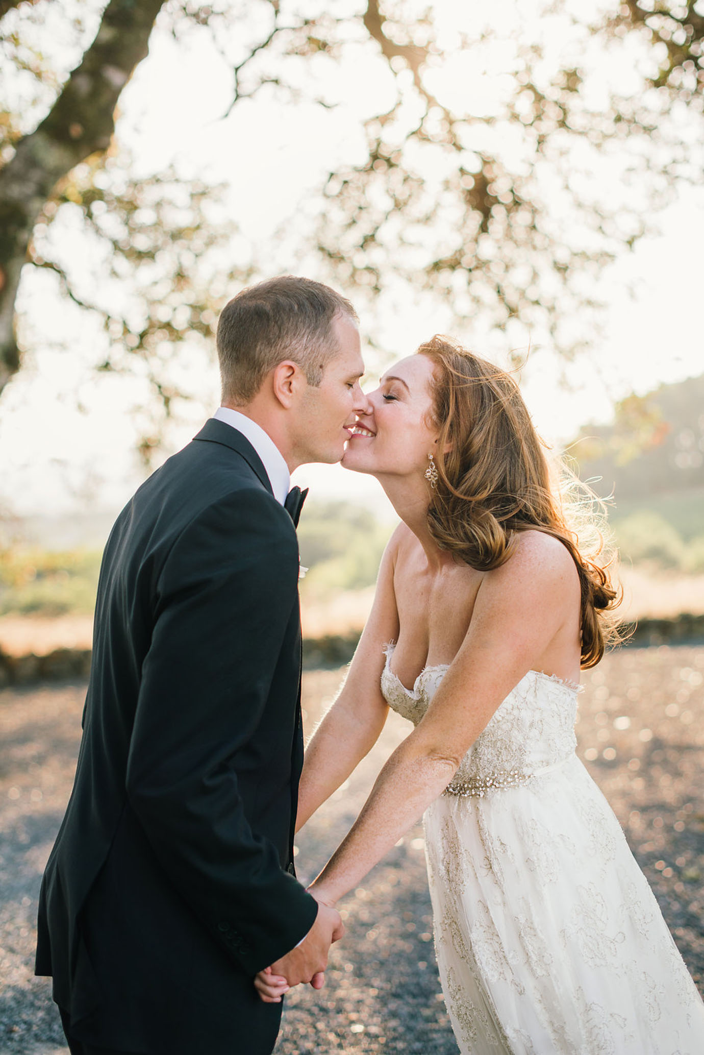 15-healdsburg-wedding-photographer-delbarr-moradi048